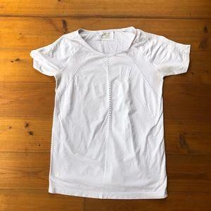 Athleta Top White Medium M Cap Sleeves Shirt